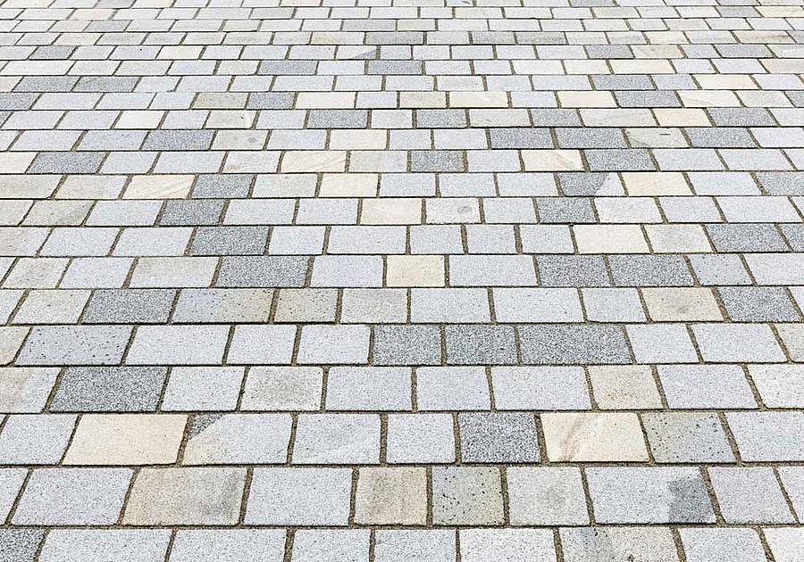 gesägtes Granitpflaster
