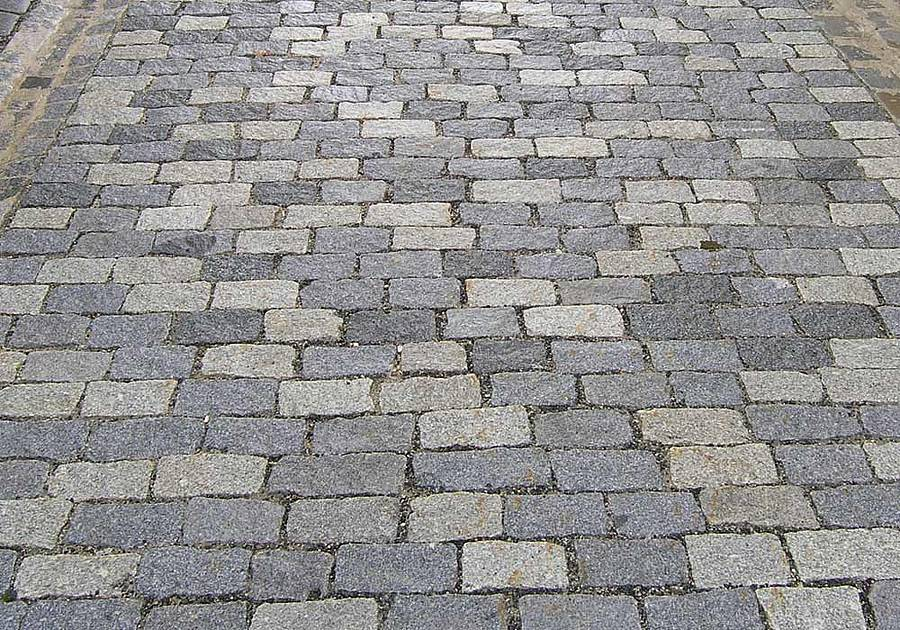gespaltenes Granitpflaster